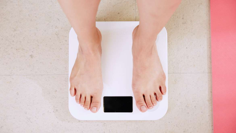 Os 10 mandamentos para controlar o seu peso sem sofrer