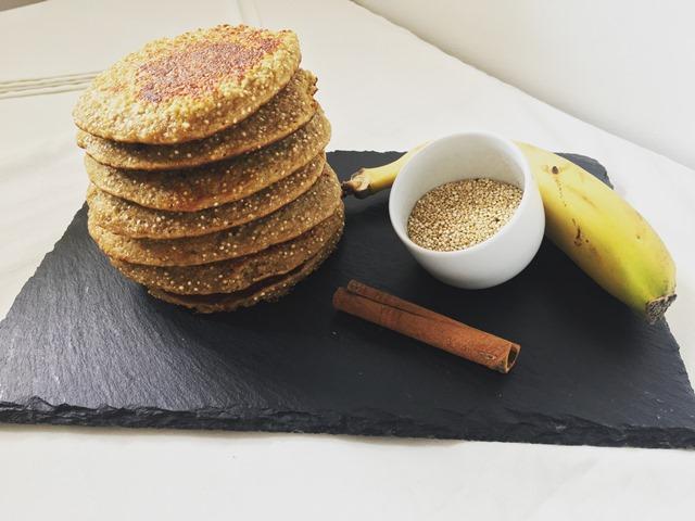 Panquecas de quinoa e banana